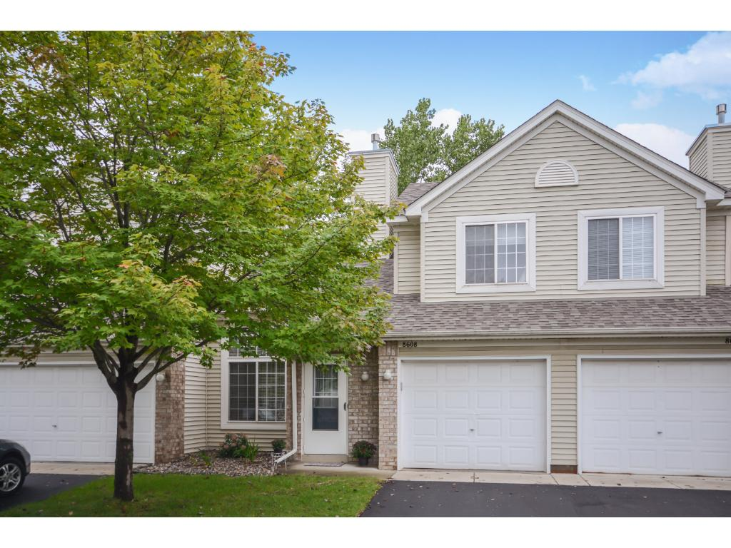 8608 Brinkley Lane, Inver Grove Heights, MN 55076
