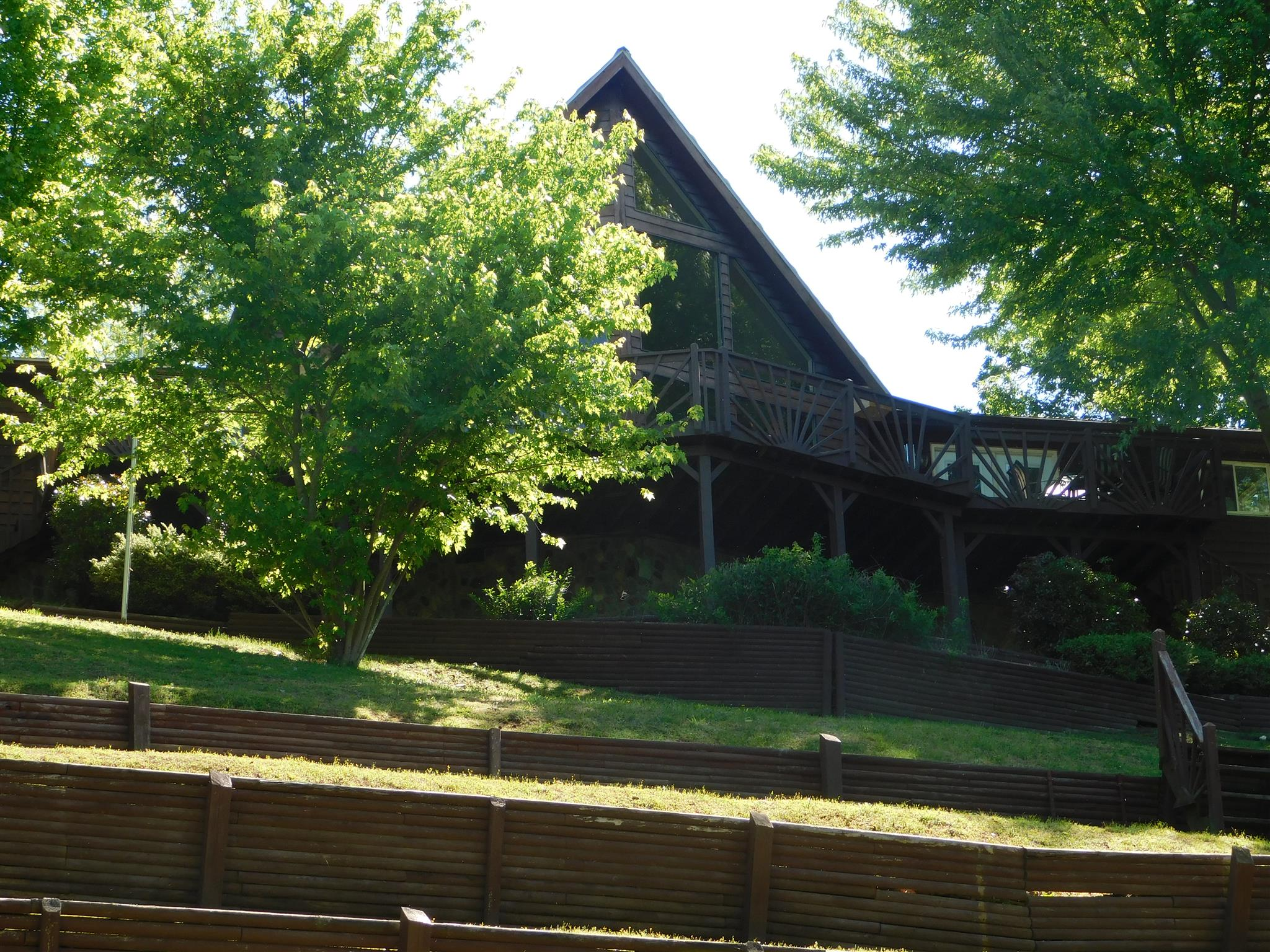 760 Lakefront Dr, Waverly, TN 37185