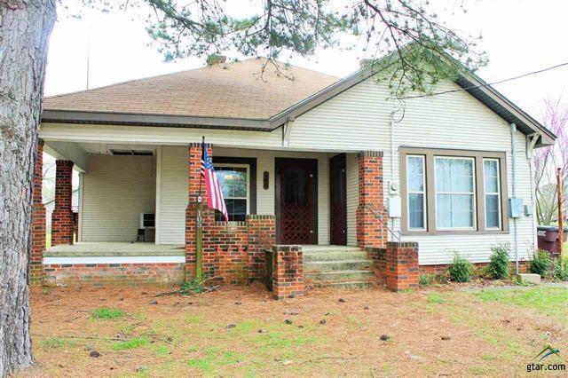 105 W 4th, Winfield, TX 75493