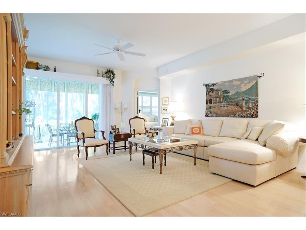 1685 Winding Oaks WAY 101, NAPLES, FL 34109