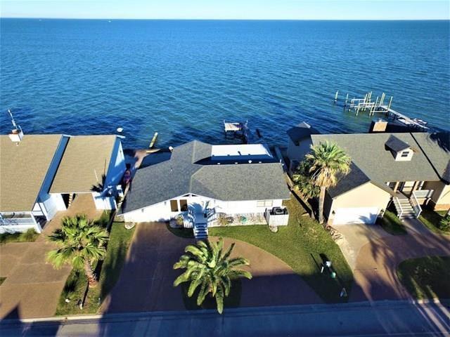 1848 Bay Shore Dr, Rockport, TX 78382