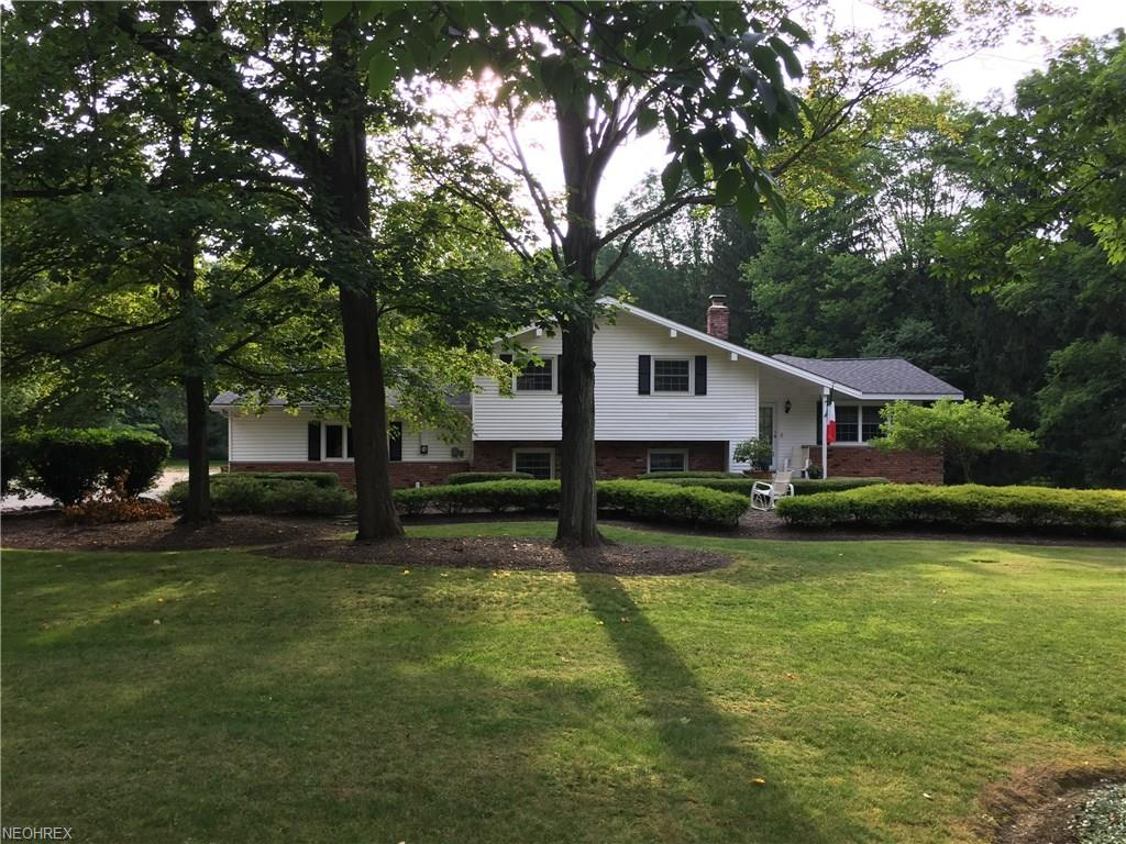 36851 Rogers Rd, Willoughby Hills, OH 44094