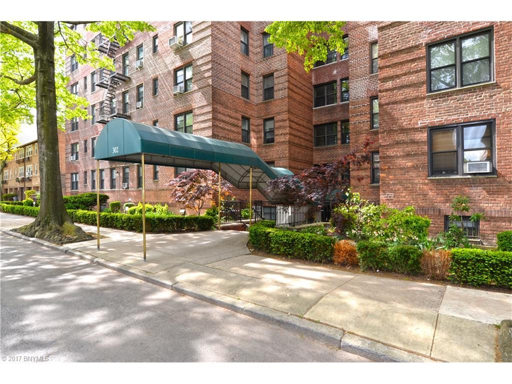 302 96 Street 1P, Brooklyn, NY 11209
