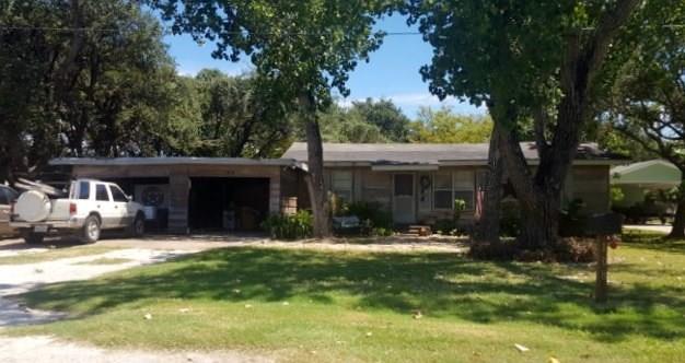 108 S Kossuth St, Rockport, TX 78382