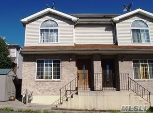 95 Greenfield Ave, Out Of Area Town, NY 10304