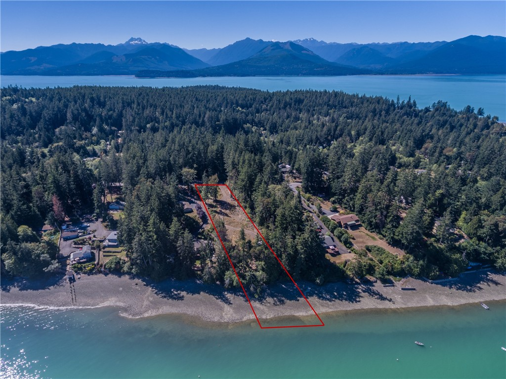 9172 Misery Point Rd NW, Seabeck, WA 98380