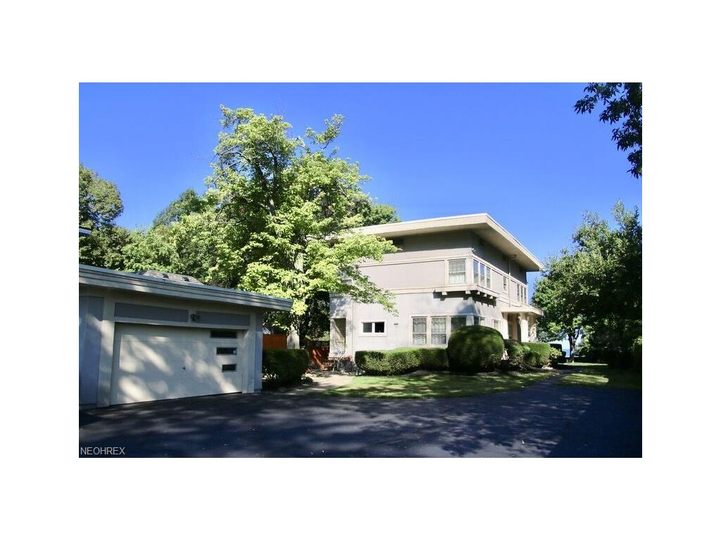 13625 Lake Shore Blvd, Bratenahl, OH 44110