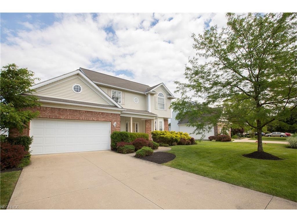 9387 Victoria Ln, North Ridgeville, OH 44039