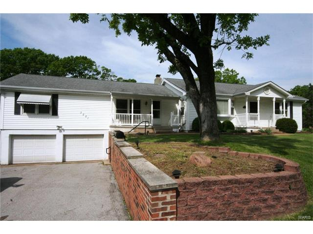 3221 Orchard Drive, High Ridge, MO 63049