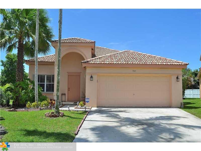 964 Tanglewood Cir, Weston, FL 33327