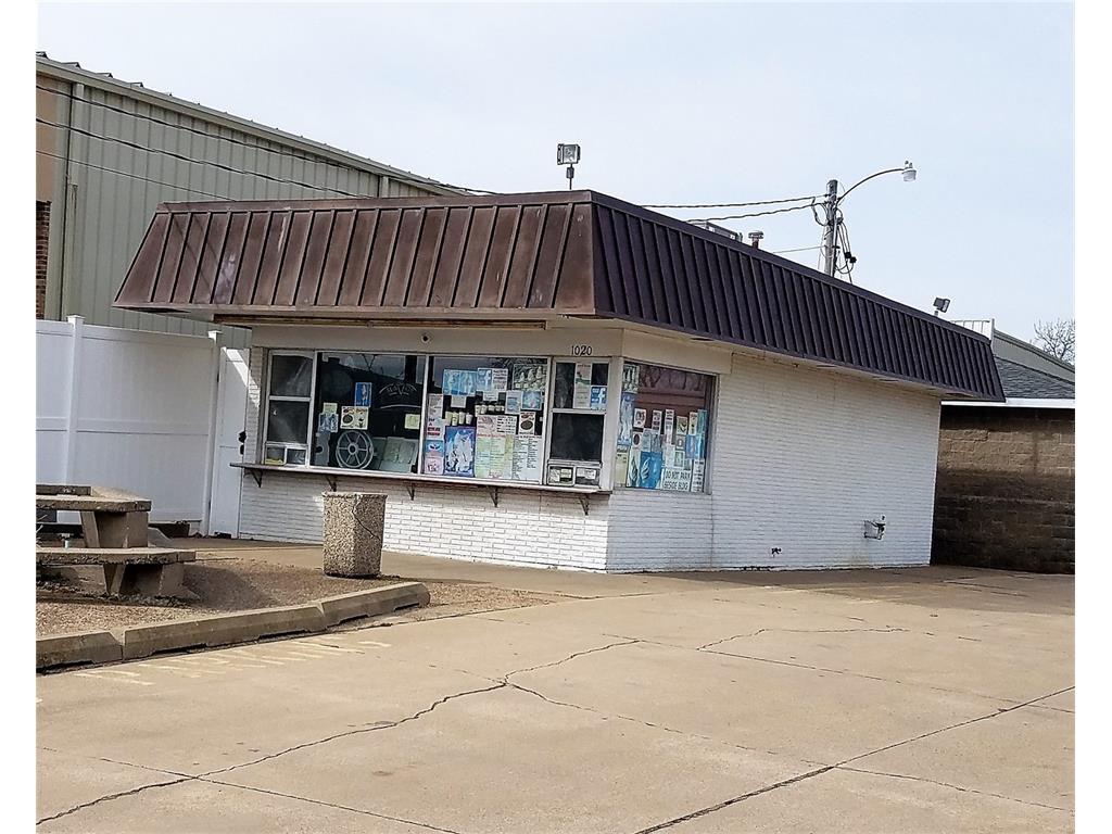 1020 Old Marion Road NE, Cedar Rapids, IA 52402