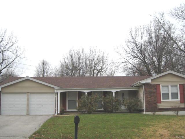 11930 Greenwalk Drive, St Louis, MO 63146