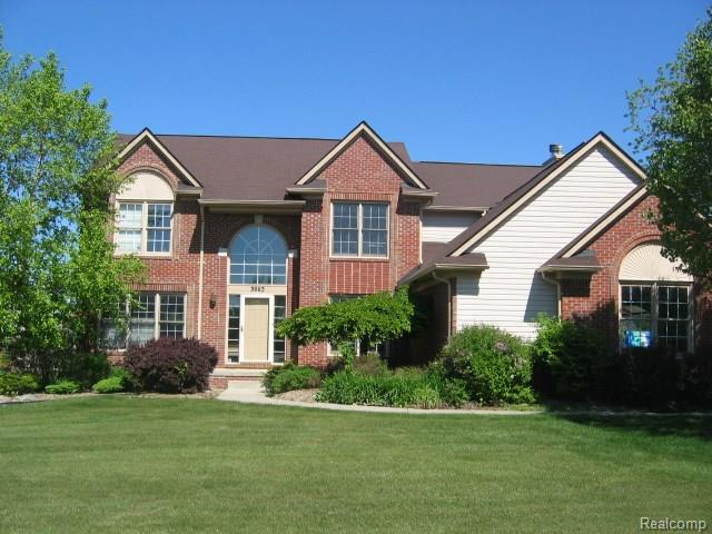3963 Red Root RD, Orion Twp, MI 48360
