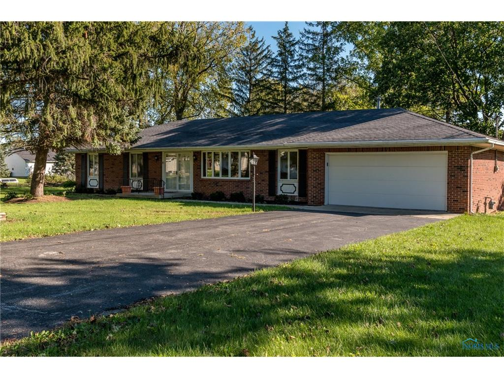 214 Ruch Street, Luckey, OH 43443