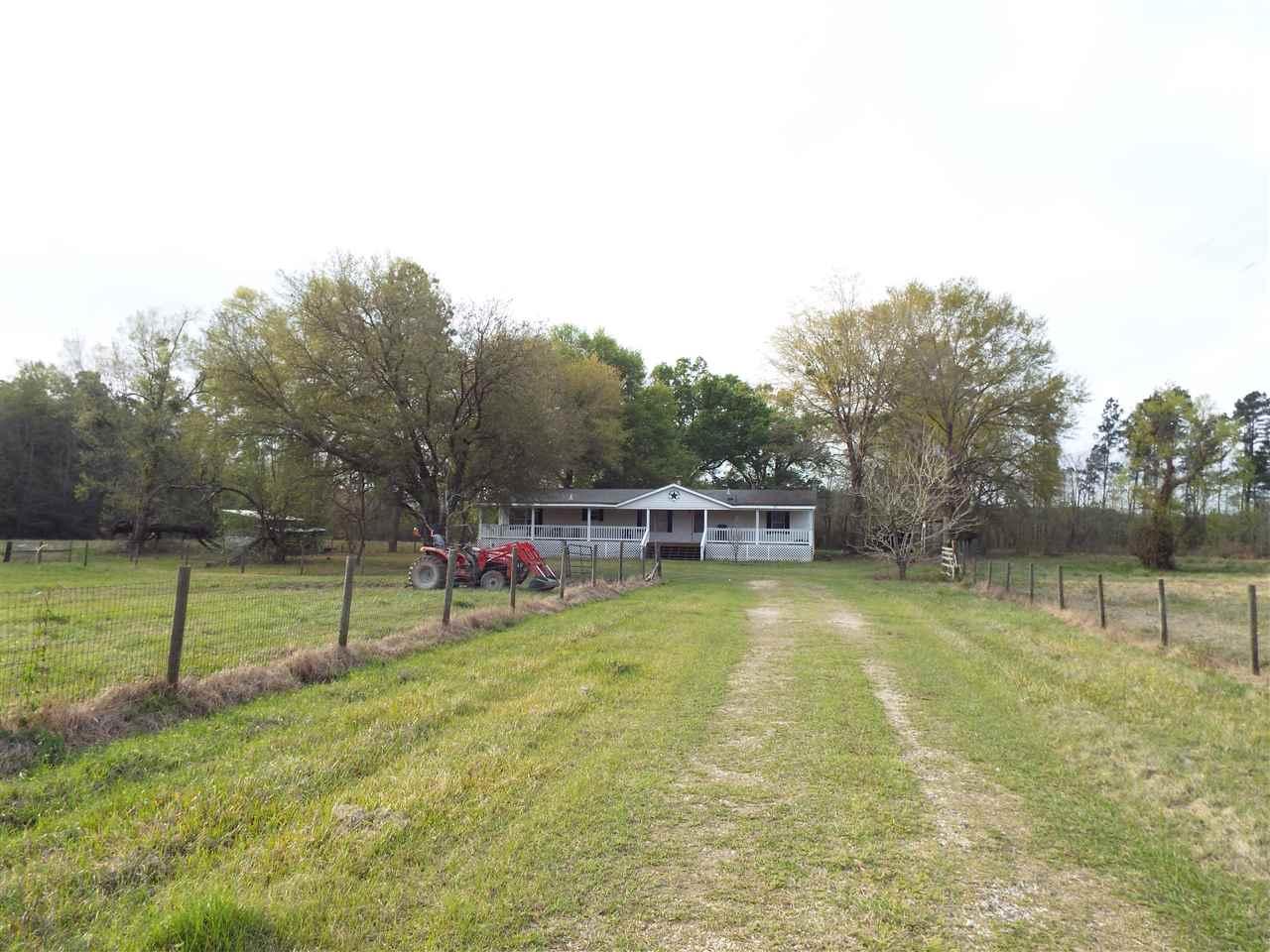 338 E Pineview Drive, Buna, TX 77612