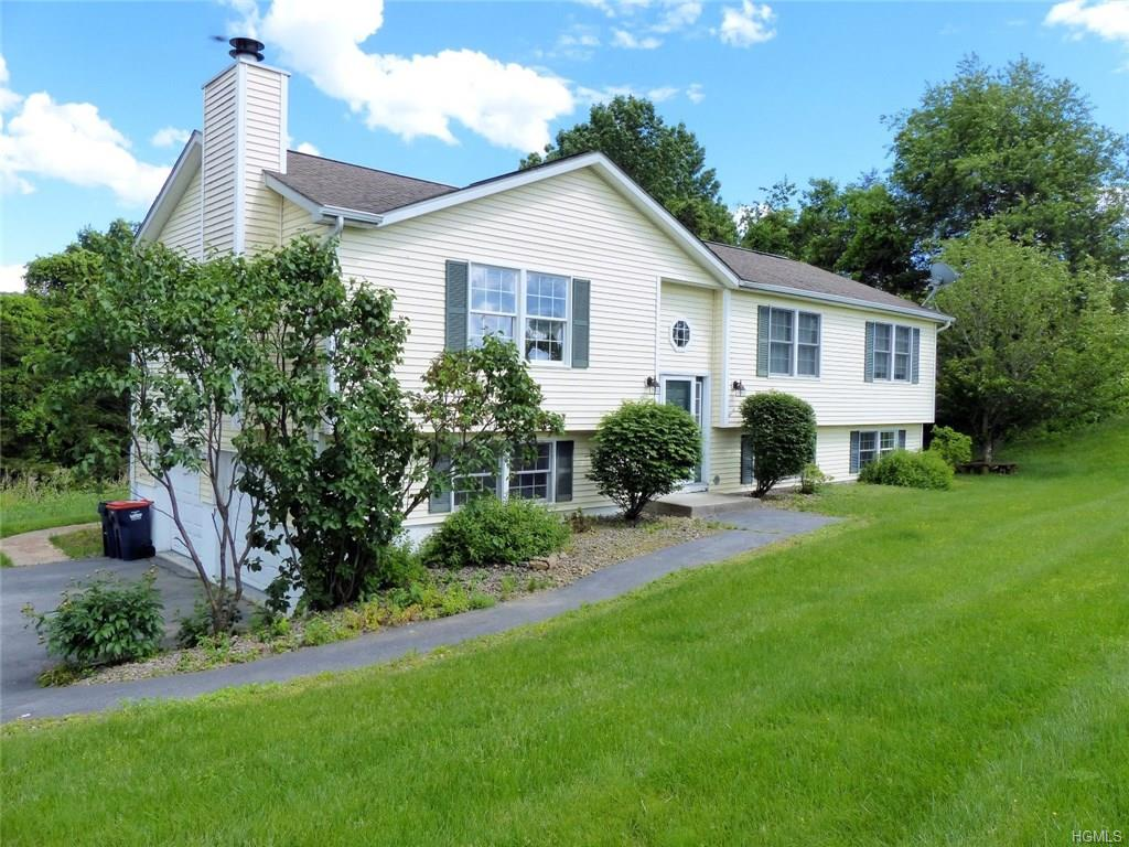 14 White Oak Circle, Wingdale, NY 12594