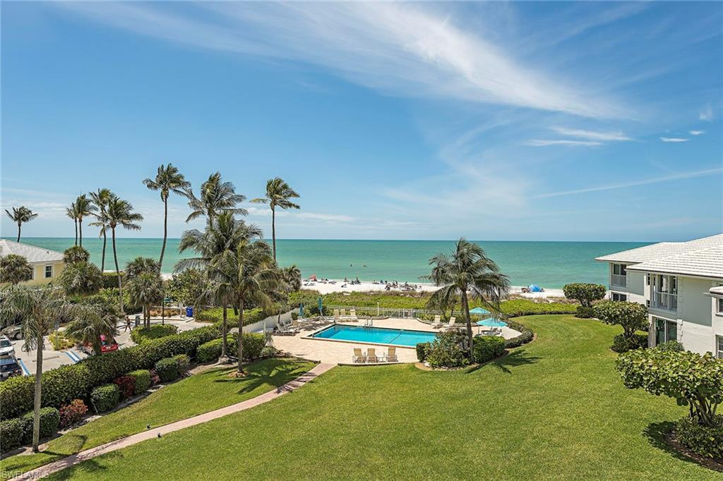 2701 Gulf Shore BLVD N 303, NAPLES, FL 34103