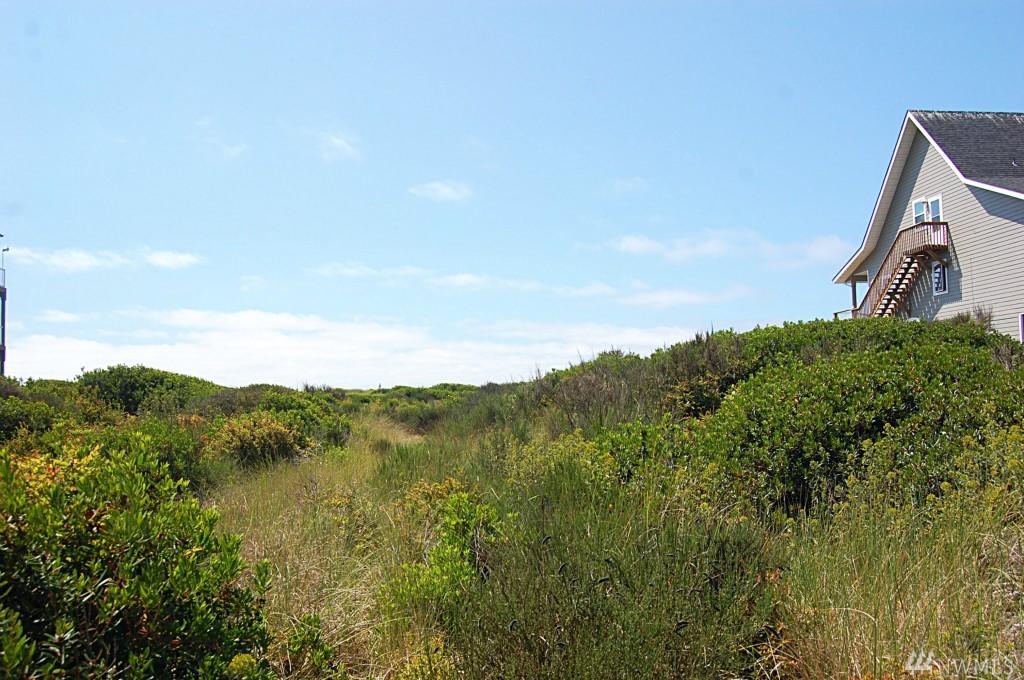 1075 Ocean Shores Blvd, Ocean Shores, WA 98569