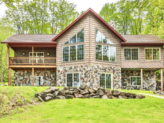 6230 LAKESHORE DR, Winchester, WI 54557