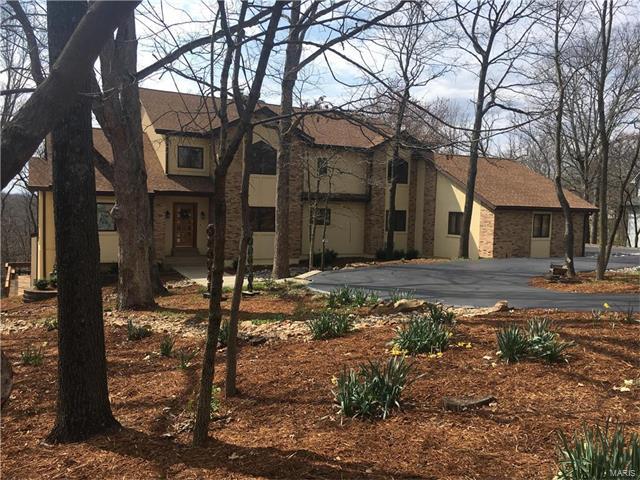 9812 Eagle Crest Court, St Louis, MO 63127