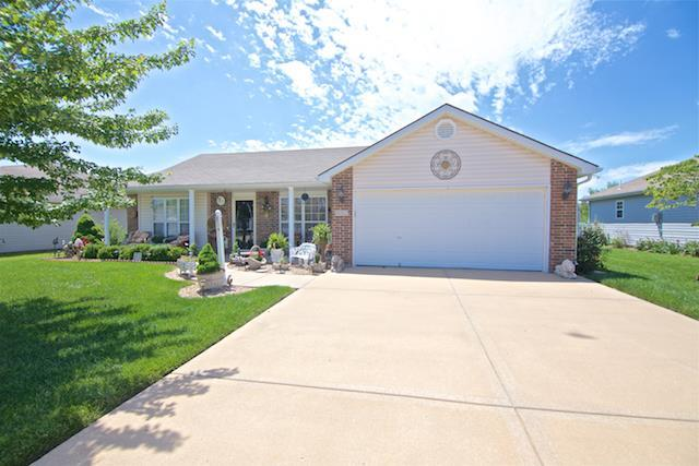 812 Cypress Court, Raymore, MO 64083