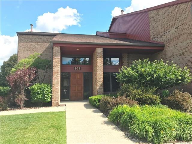 969 GREENVIEW Court 50, Rochester Hills, MI 48307