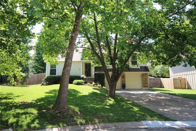 10438 Hauser Street, Lenexa, KS 66215