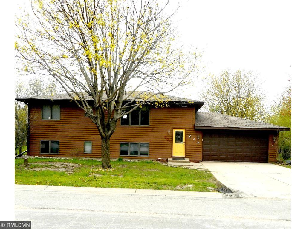 808 W Circle Drive, Montgomery, MN 56069