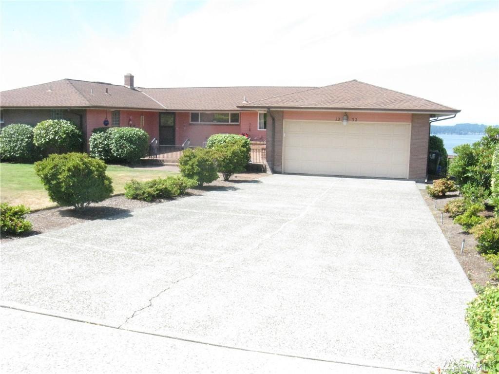 1232 S Fairview Dr, Tacoma, WA 98465
