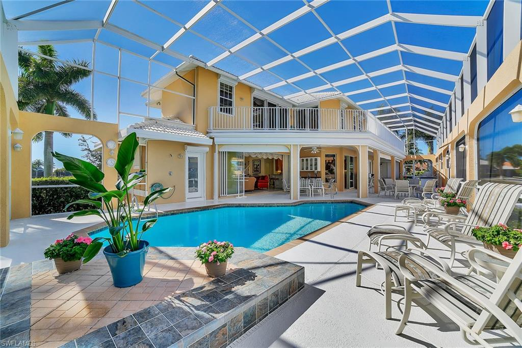 227 Edgewater CT, MARCO ISLAND, FL 34145