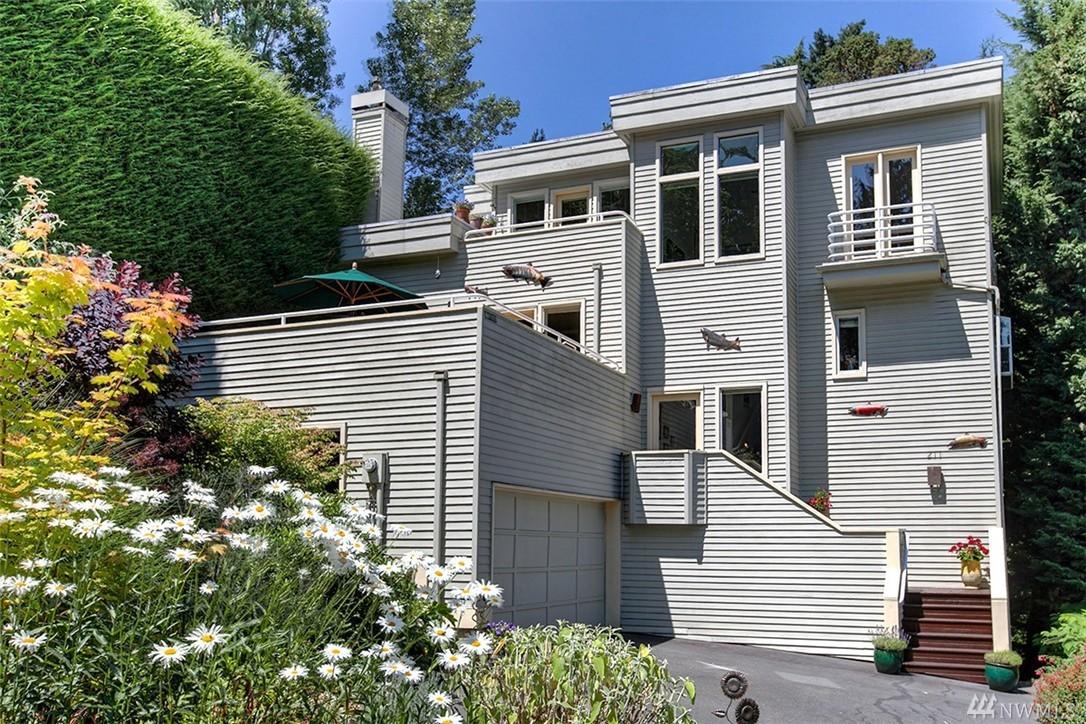 211 Euclid Ave, Seattle, WA 98122