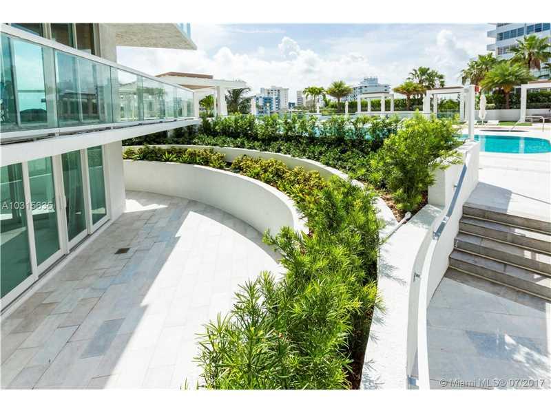 10 Venetian Way 305, Miami Beach, FL 33139