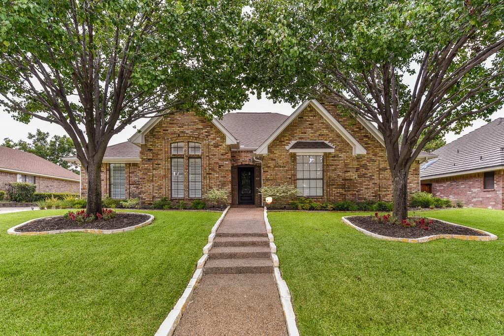 3729 Oak Cove Lane, Bedford, TX 76021