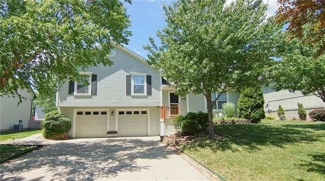 1232 NE Applewood Street, Lee's Summit, MO 64086