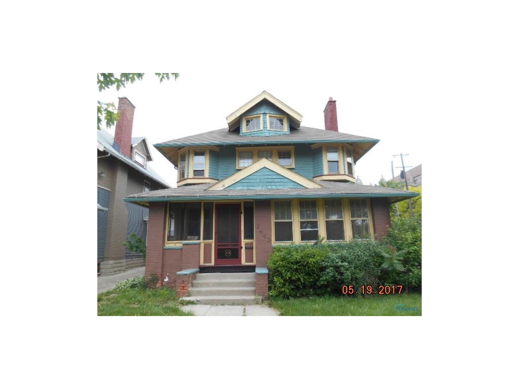 2602 Parkwood Avenue, Toledo, OH 43610