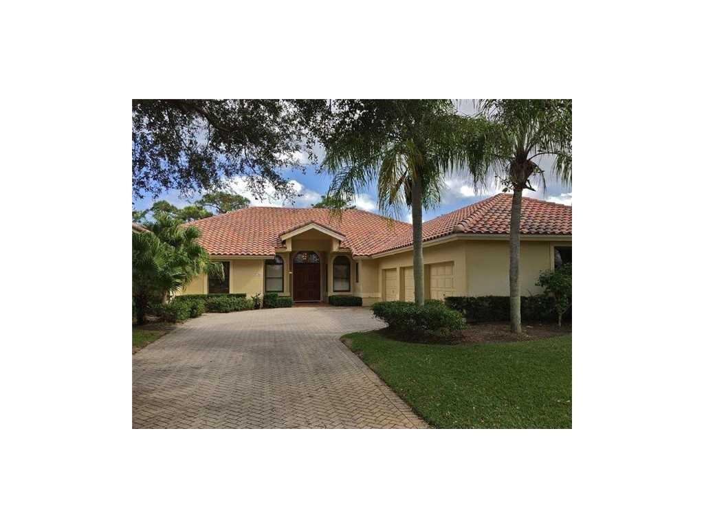7749 SE Manhasset Place, Hobe Sound, FL 33455