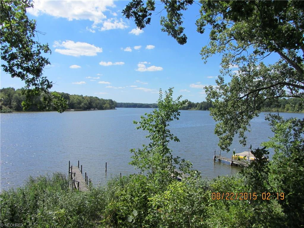 2734 S E River Rd, Lake Milton, OH 44429