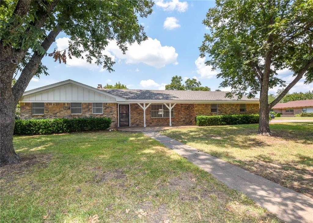 1811 W Overhill Drive, Stephenville, TX 76401