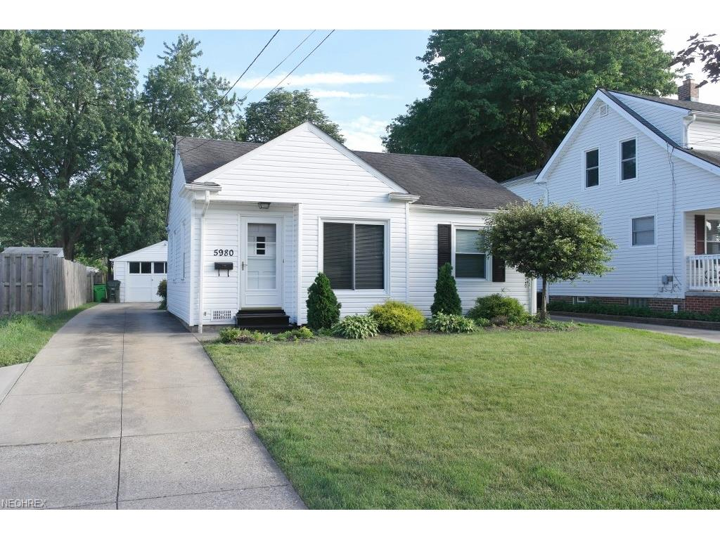 5980 Maplewood Rd, Mayfield Heights, OH 44124