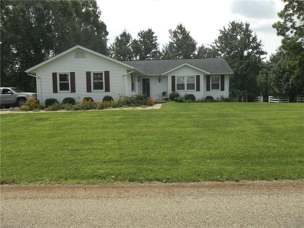 725 Deerfield Rd, Zanesville, OH 43701
