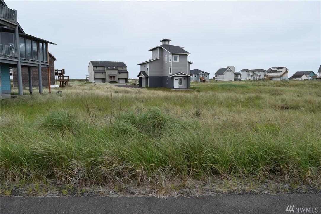 417 Riviera St SW, Ocean Shores, WA 98569