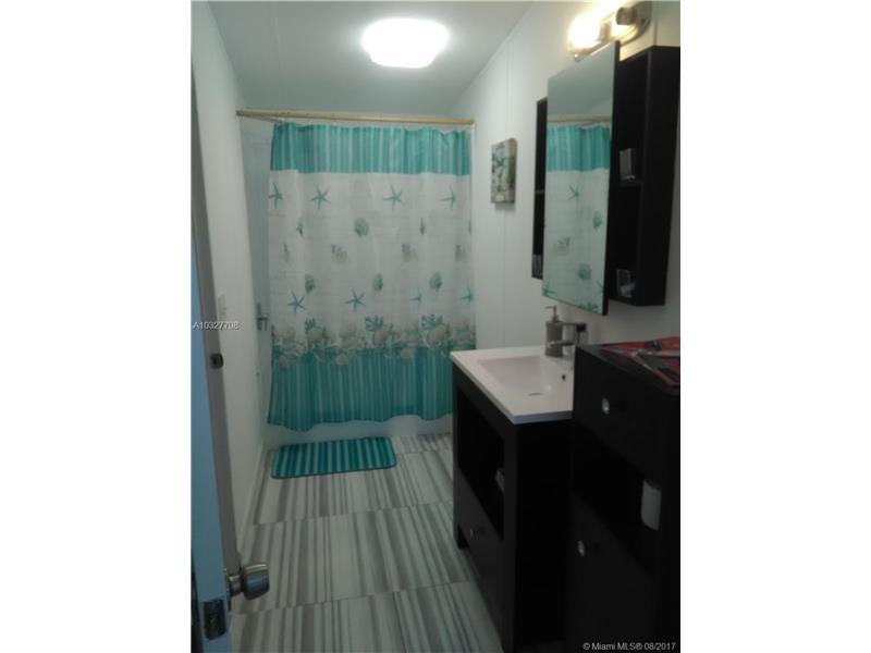 562 SW 137nd Terrace, Davie, FL 33325