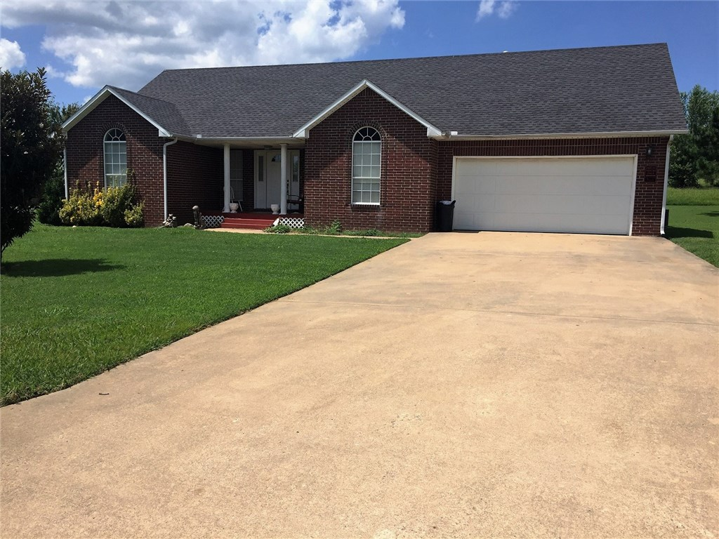 303 County AVE, Lincoln, AR 72744