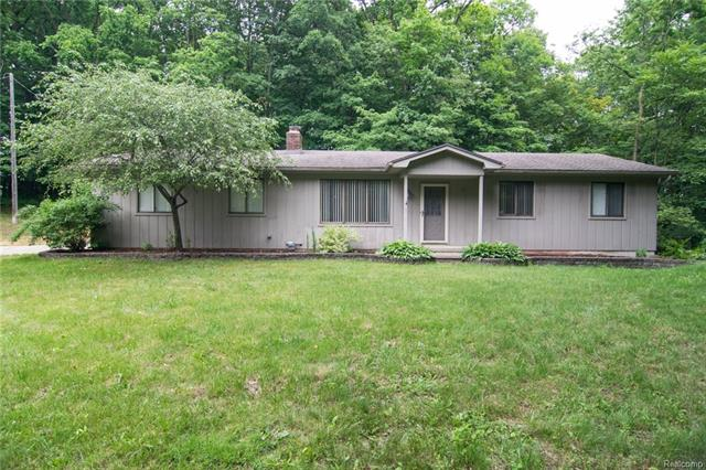 7566 CURTIS RD, Salem Twp, MI 48168