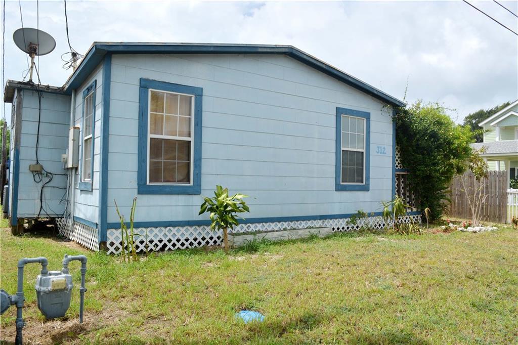 312 E Roberts Ave, Port Aransas, TX 78373