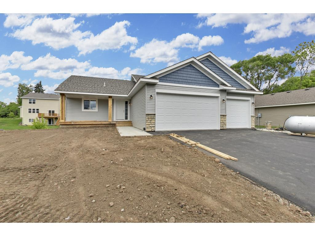 221X County Road D E, Maplewood, MN 55109