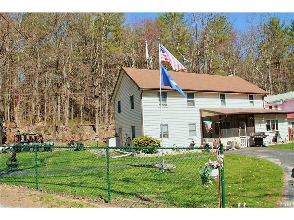 3 Delaware And Hudson Drive, Cuddebackville, NY 12729