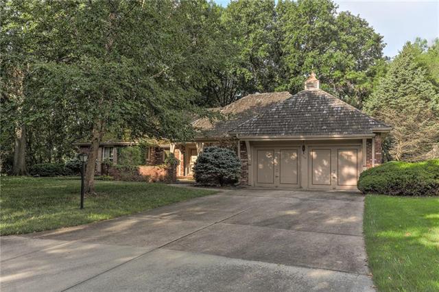 9318 Buena Vista Street, Prairie Village, KS 66207