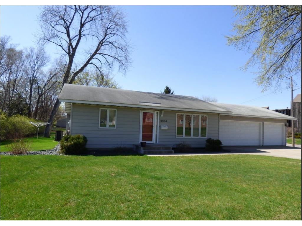 9304 Nicollet Avenue S, Bloomington, MN 55420