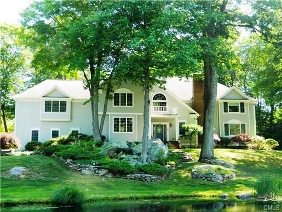 50 Red Barn Road, Trumbull, CT 06611